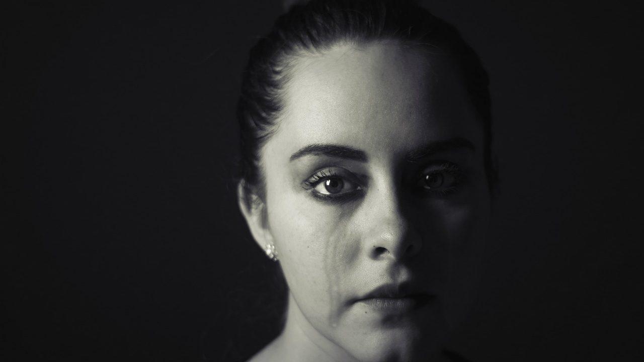 彼女 泣き虫